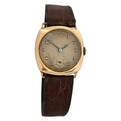 9 Karat Gold Vintage 1950s Manual winding Bernex Swiss Watch
