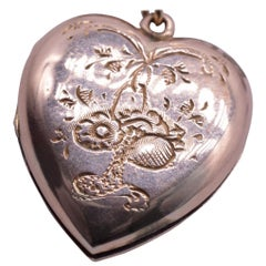 9 Karat Victorian Engraved 2 Sided Heart Locket