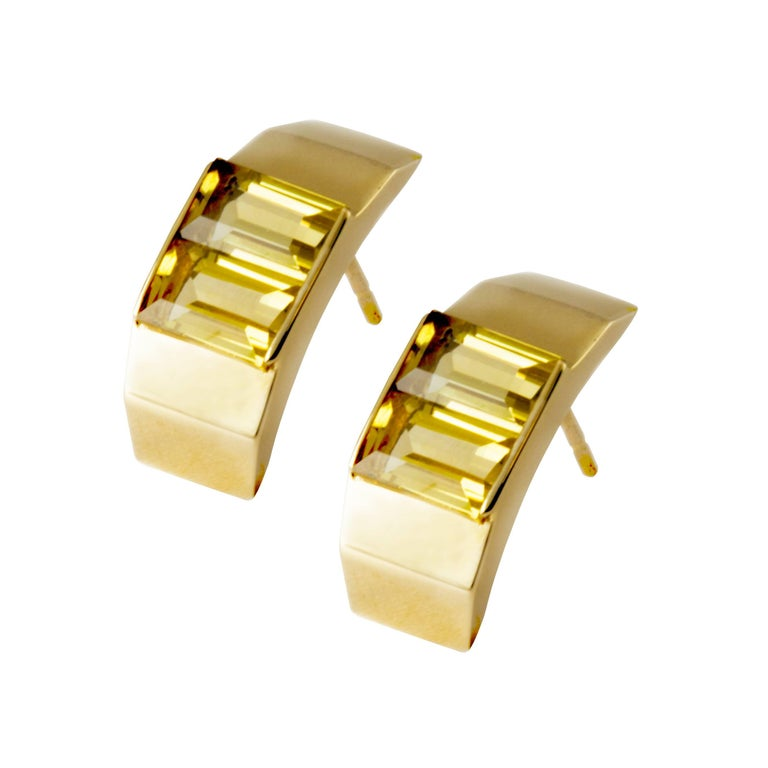 9 Karat Yellow Gold and Citrine Polygon Stud Earrings by Kattri For Sale