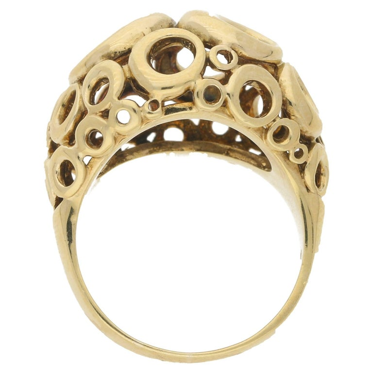 9 Karat Yellow Gold Dress Ring In Excellent Condition For Sale In London, GB