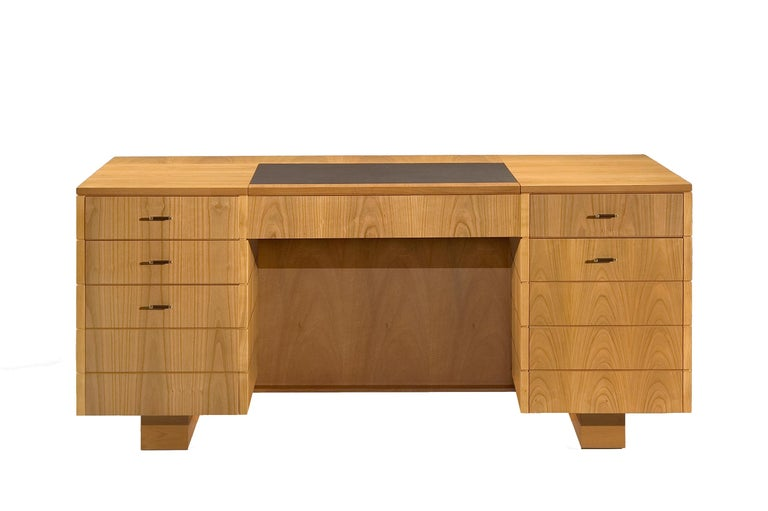 '900 Style Wooden Desk in Cherry Wood with Leather Top and Drawers For Sale 2