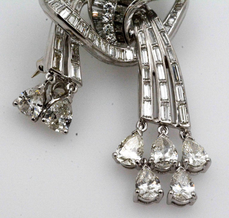 9.02 Carat Diamonds Platinum Pendant/Brooch, circa 1920 In Excellent Condition For Sale In Dallas, TX