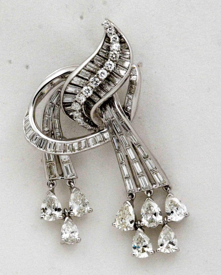 9.02 Carat Diamonds Platinum Pendant/Brooch, circa 1920 For Sale 1