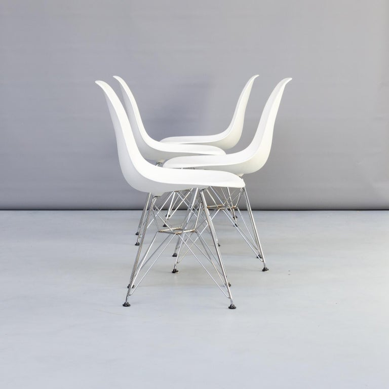 Mid-Century Modern 1990s Charles & Ray Eames 'Dsr' Dining Chair for Vitra, Set of 4 For Sale