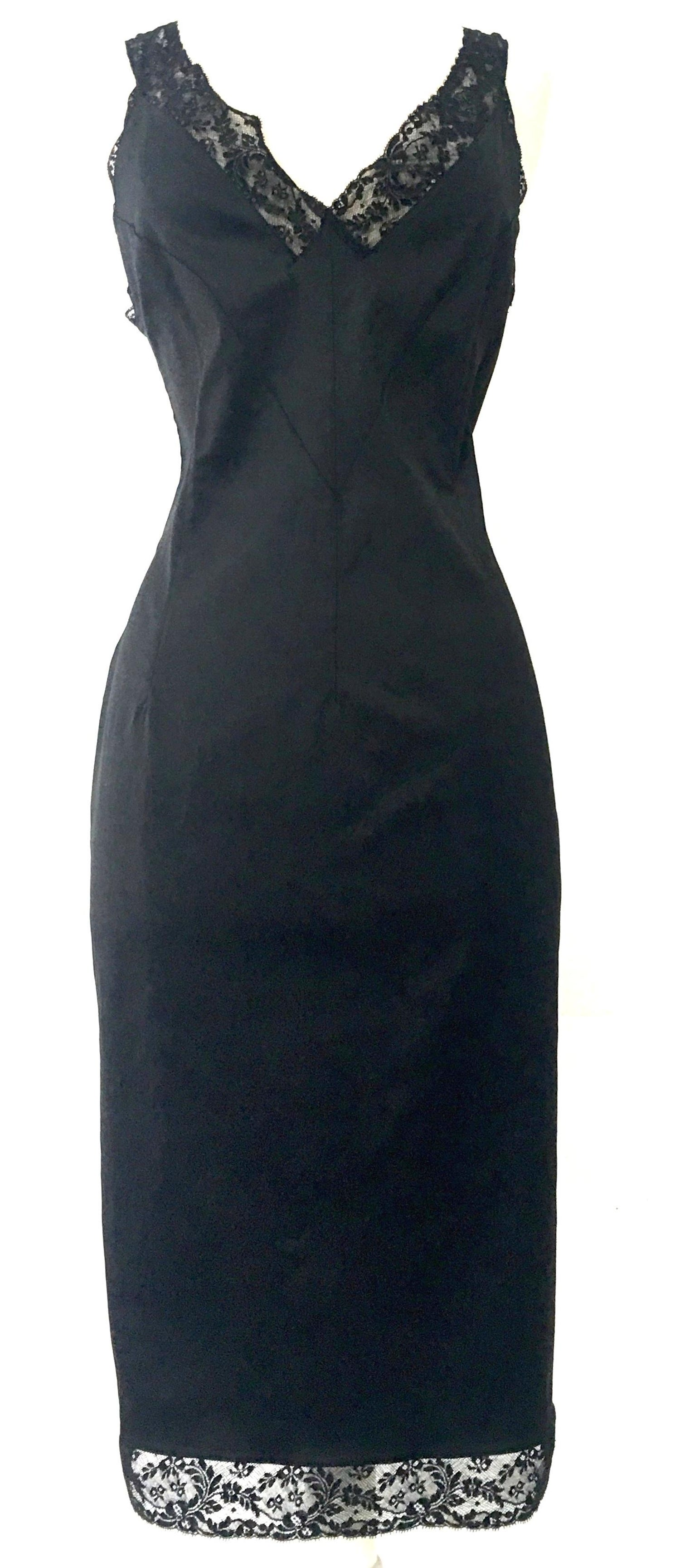 39db55b922 90'S Classic Dolce and Gabbana Black Fitted Slip Dress Sz-40 For Sale at  1stdibs