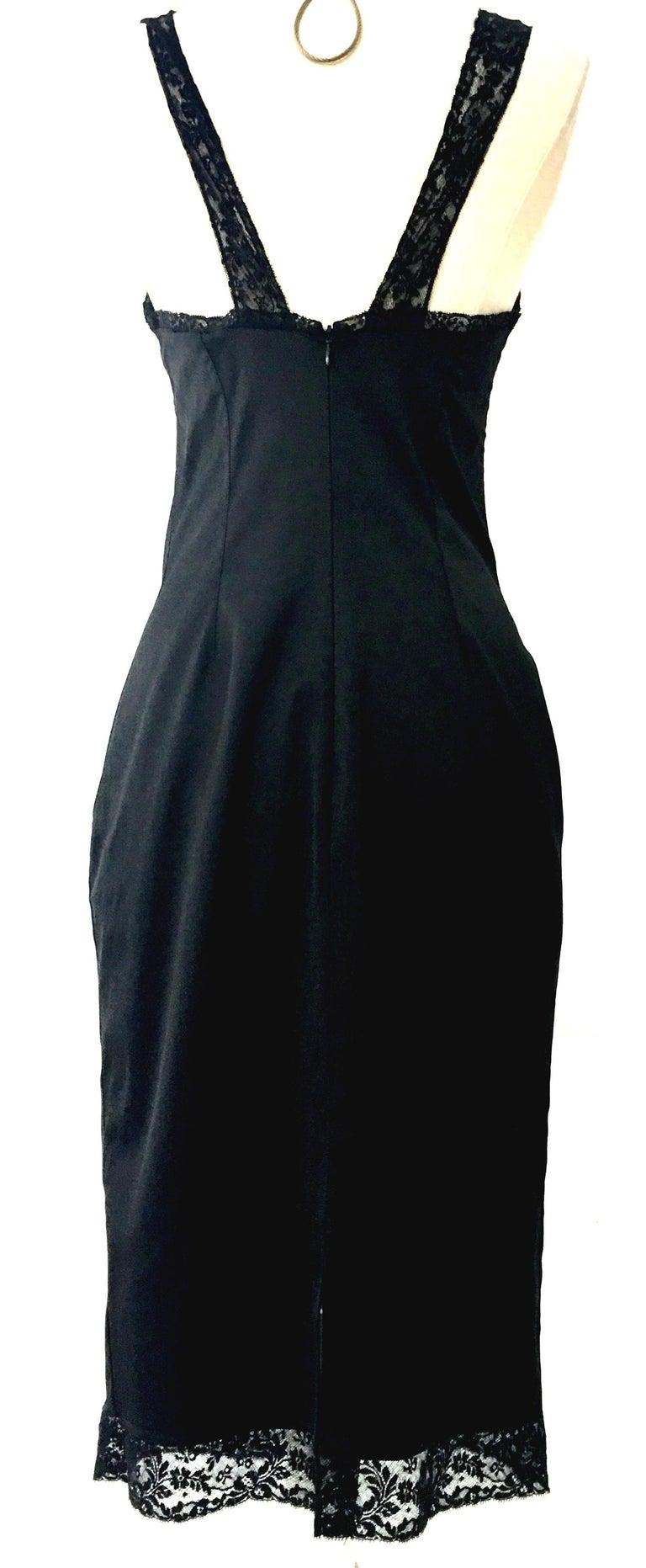 81611d453b 90'S Classic Dolce & Gabbana Black Fitted Slip Dress Sz-40 For Sale 1