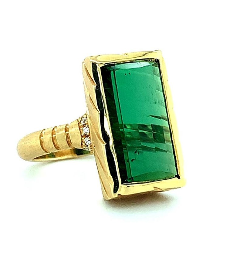 Artisan 9.13 Carat Fantasy Cut Rectangular Green Tourmaline Diamond Yellow Gold Ring  For Sale