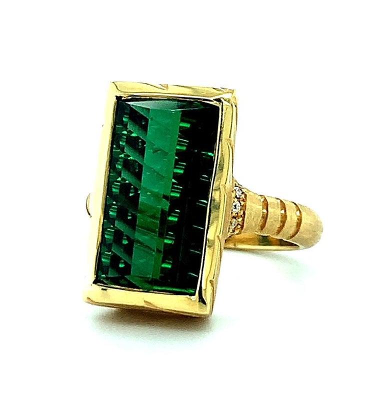 9.13 Carat Fantasy Cut Rectangular Green Tourmaline Diamond Yellow Gold Ring  For Sale 1