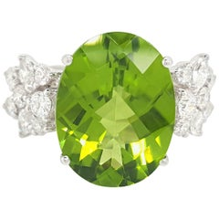 9.13 Carat Natural Peridot and Diamond Cocktail Ring in 18 Karat White Gold