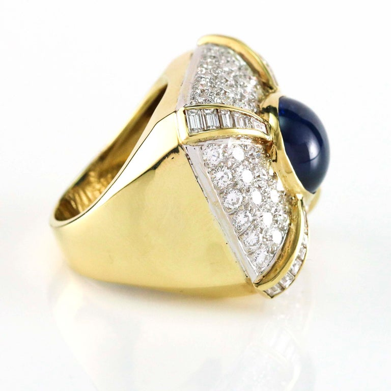 Round Cut 9.21 Carat Blue Sapphire and Diamond Cocktail Ring For Sale