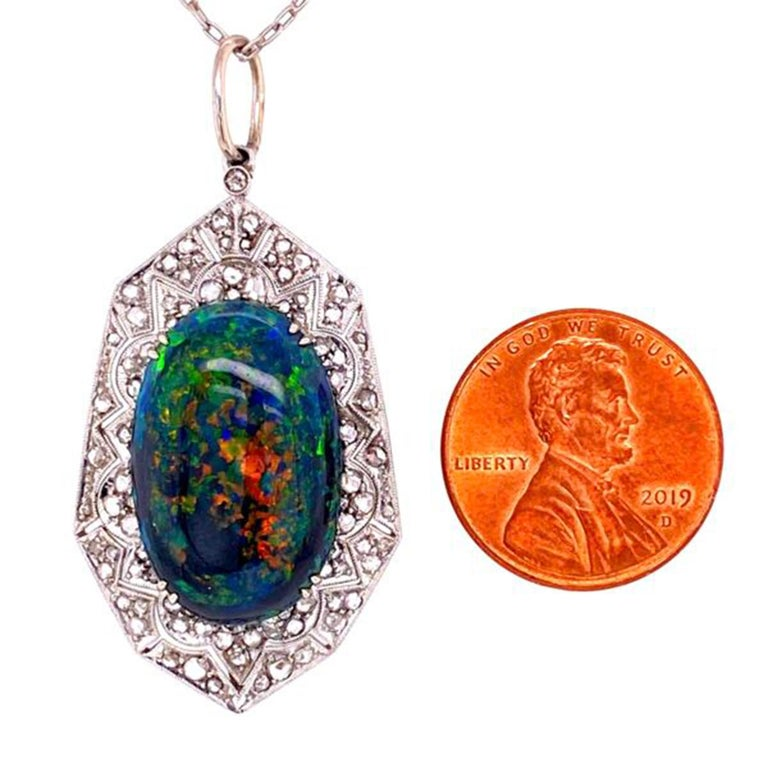 9.28 Carat Black Opal and Diamond Platinum Pendant Necklace Estate Fine Jewelry In Excellent Condition For Sale In Montreal, QC
