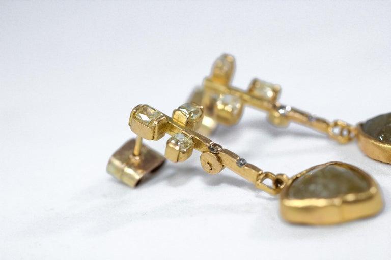 Modernist 9.3 Carat Yellow Diamonds 21-22k Gold Chandelier Drop Earrings Wedding Jewelry For Sale