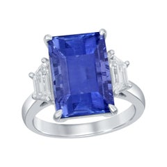 9.45 Carat Emerald Cut Sapphire Ring with Trapezoid Cut Side Diamonds, Platinum