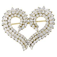 9.5 Carat Heart Shaped Diamond 18 Karat Gold Pin or Broach, VS Quality Estate
