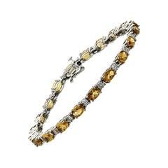 9.50 Carat Citrine and 0.09 Carat Diamonds 14 Karat White Gold Bracelet
