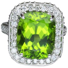 9.54 Carat Cushion Cut Peridot White Gold Engagement Ring Estate Fine Jewelry