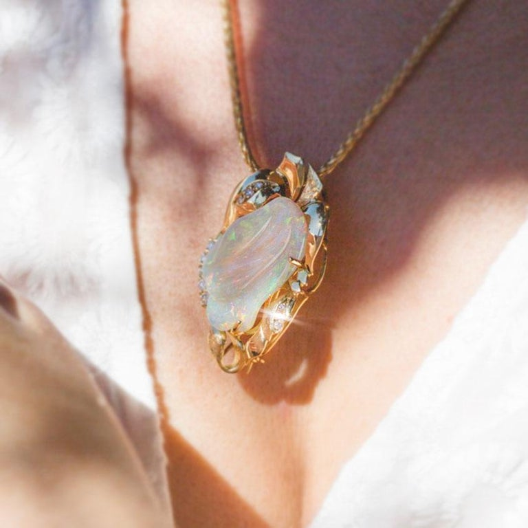 9.6 Carat Solid Australian Carved Opal and Diamond 18 Carat Gold Pendant Brooch For Sale 3