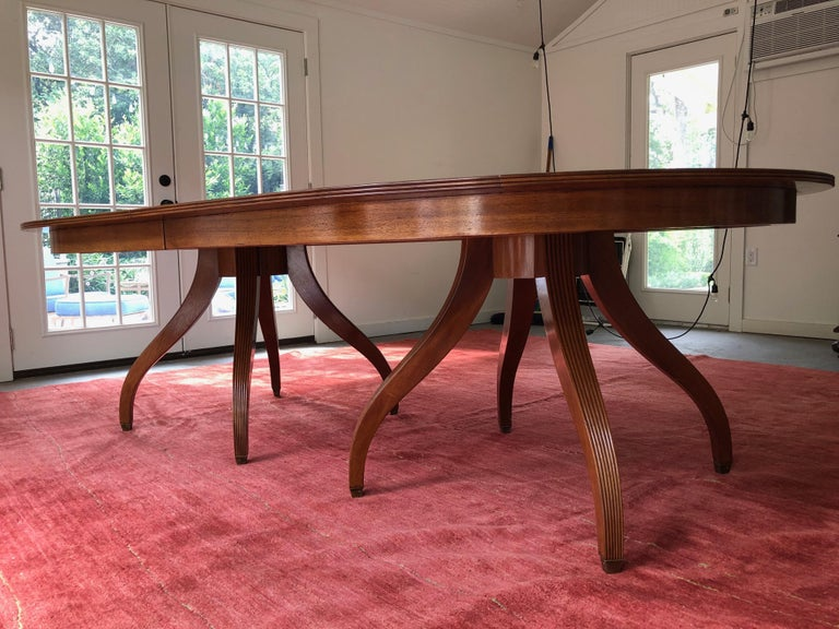 Custom Rose Tarlow Melrose House Mahogany Dining Table With Two Leaves In Good Condition For Sale In Los Angeles, CA