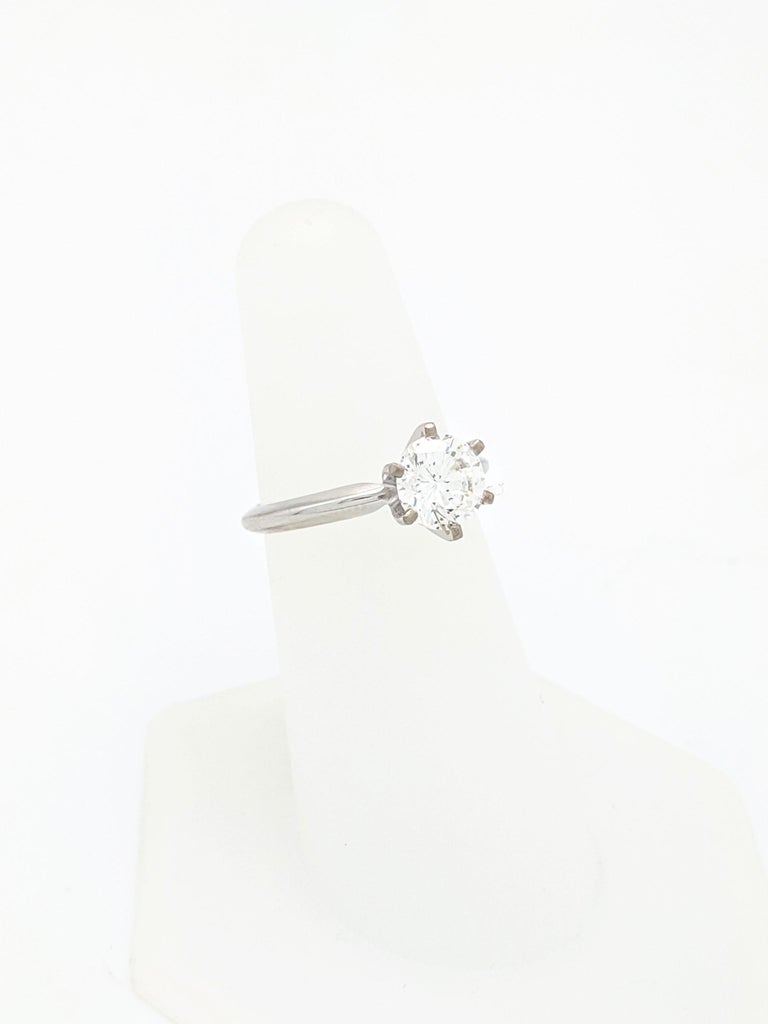 Contemporary .96 Carat Round Brilliant Cut Natural Diamond Ring GIA Certified SI1/F For Sale