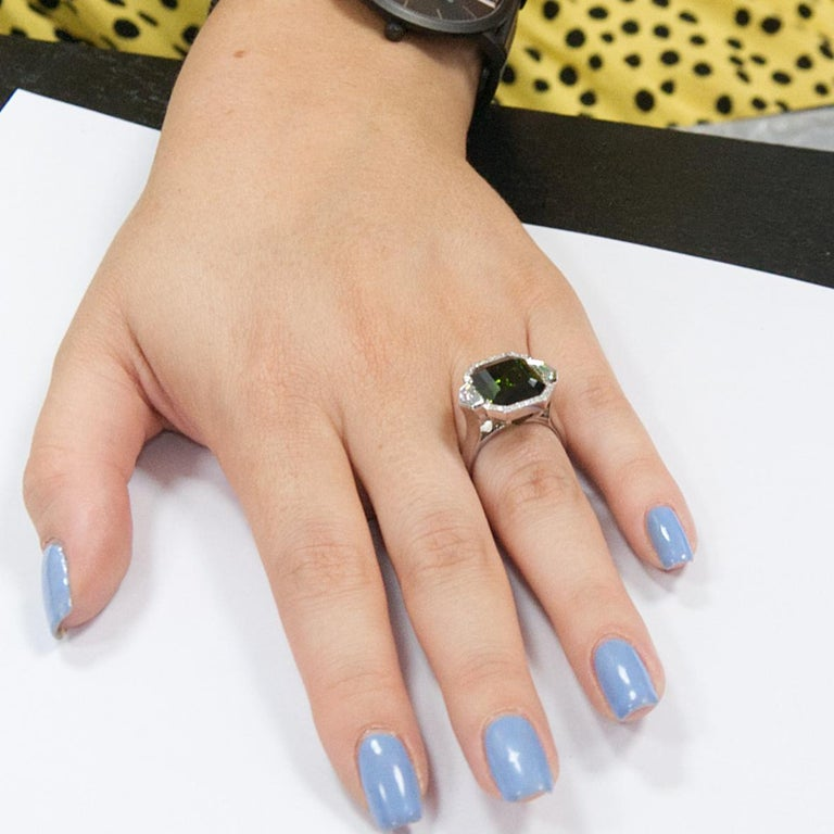 9.70 Carat Green Tourmaline and Diamond Three-Stone Ring in 18 Karat White Gold In New Condition For Sale In London, London
