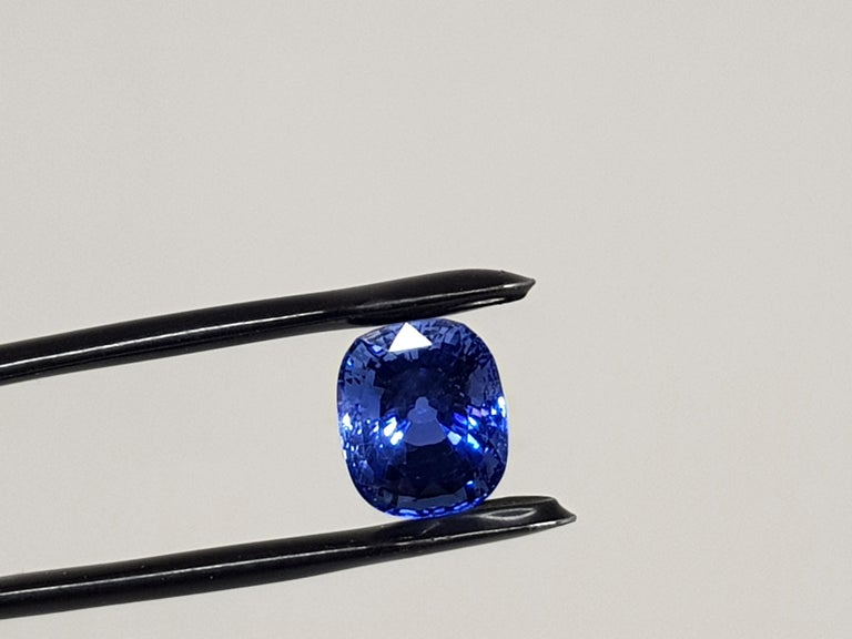9.71 Carat Sri Lanka Deep Blue Sapphire No Heat For Sale 4