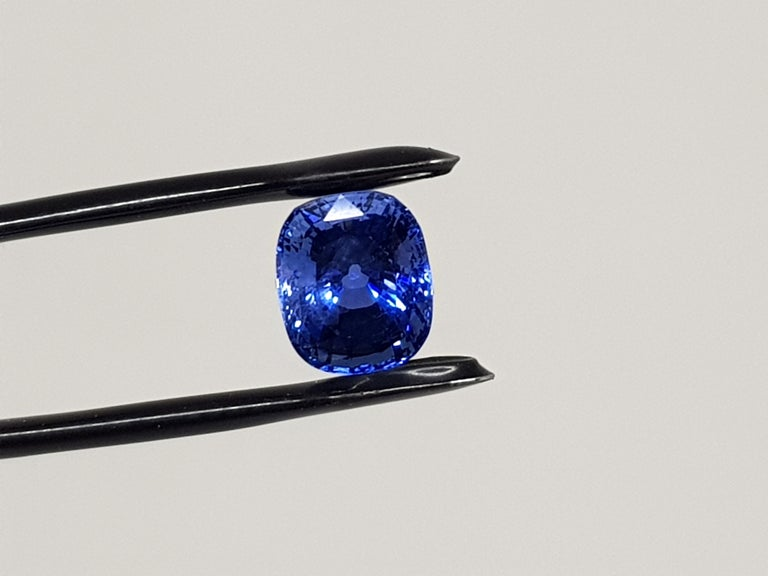 9.71 Carat Sri Lanka Deep Blue Sapphire No Heat For Sale 5
