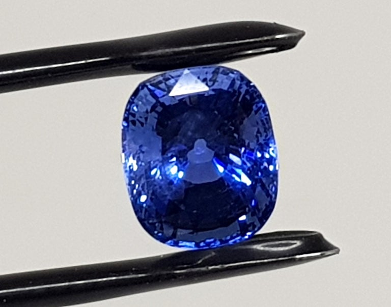 IGI Certificate number: 279790859 Weight: 9.71ct.  Shape and Cut: Cushion Mixed Cut Color: Deep Blue  Good Color Quality Transparency: Transparent No Heat Or Treatment Origin: Sri Lanka Please see certificate for more details Shipping: Free