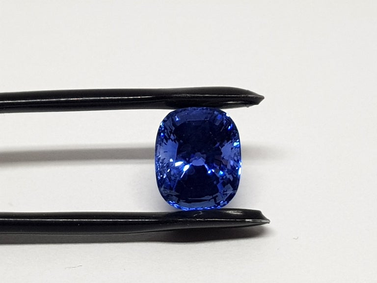 9.71 Carat Sri Lanka Deep Blue Sapphire No Heat For Sale 3