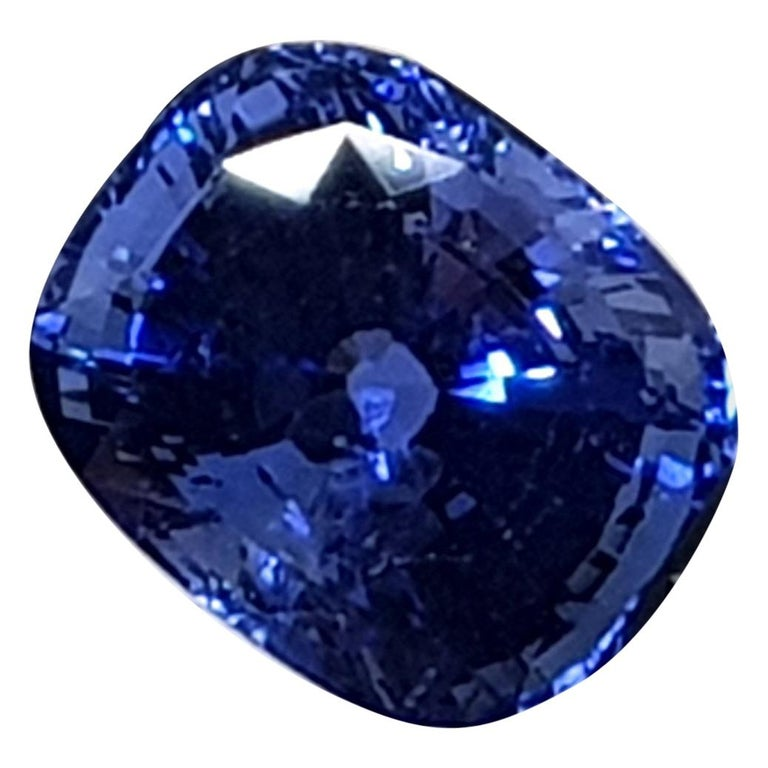 9.71 Carat Sri Lanka Deep Blue Sapphire No Heat For Sale