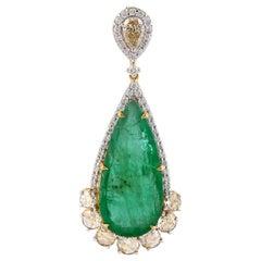 9.73 Carat Emerald with Rose Cut Diamond Pendant in 18 Karat Yellow Gold