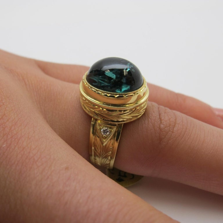 9.80 Carat Green Tourmaline Cabochon Diamond Yellow Gold Bezel Band Dome Ring For Sale 4
