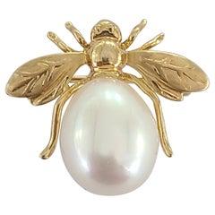 9.9 Carat Pearl Pendant/Brooch in 18 Karat Gold