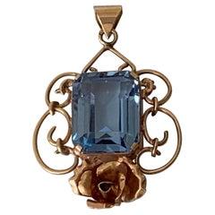 Baroque Pendant Necklaces