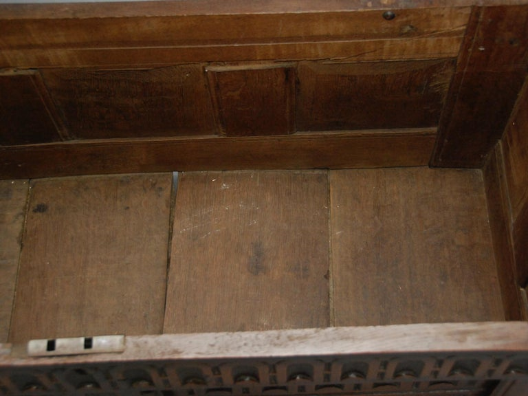 17th Century English Oak Chest For Sale 4
