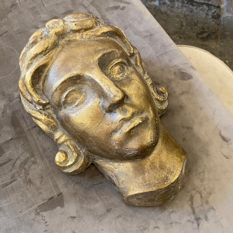 1930s Art Deco Gilded Plaster Italian Sculpture of an Head For Sale 6