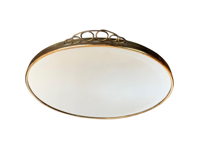 Beveled 1950s Italian Circular Mirror with Bevelled Glass, Brass Frame and Top Detail For Sale