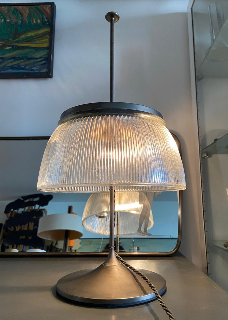 Mid-Century Modern 1960's Desk or Table Lamp, Metal and Glass, Attrtibuted to Tito Agnoli, O-Luce For Sale