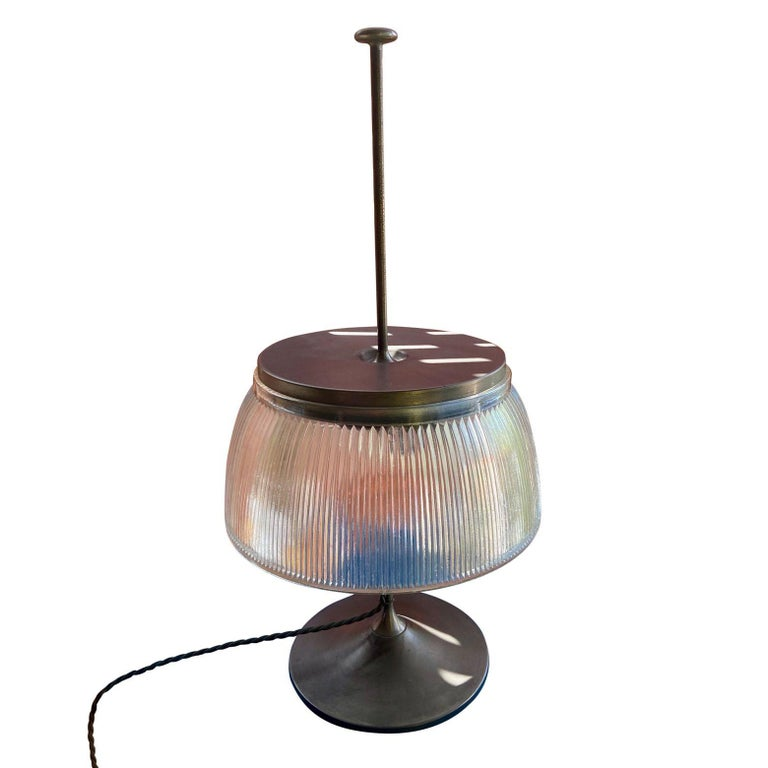 1960's Desk or Table Lamp, Metal and Glass, Attrtibuted to Tito Agnoli, O-Luce For Sale 2