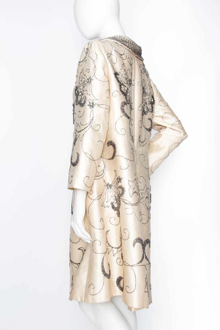 A 1960s Ivory Silk Couture Coat With Beads and Embellishment For Sale 4