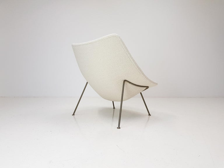 1960s Pierre Paulin Oyster Chair for Artifort in Bouclé Fabric For Sale 3