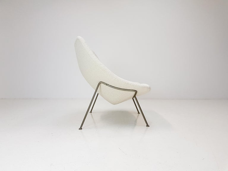 1960s Pierre Paulin Oyster Chair for Artifort in Bouclé Fabric For Sale 4