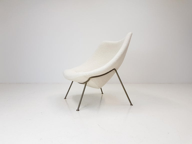 Dutch 1960s Pierre Paulin Oyster Chair for Artifort in Bouclé Fabric For Sale