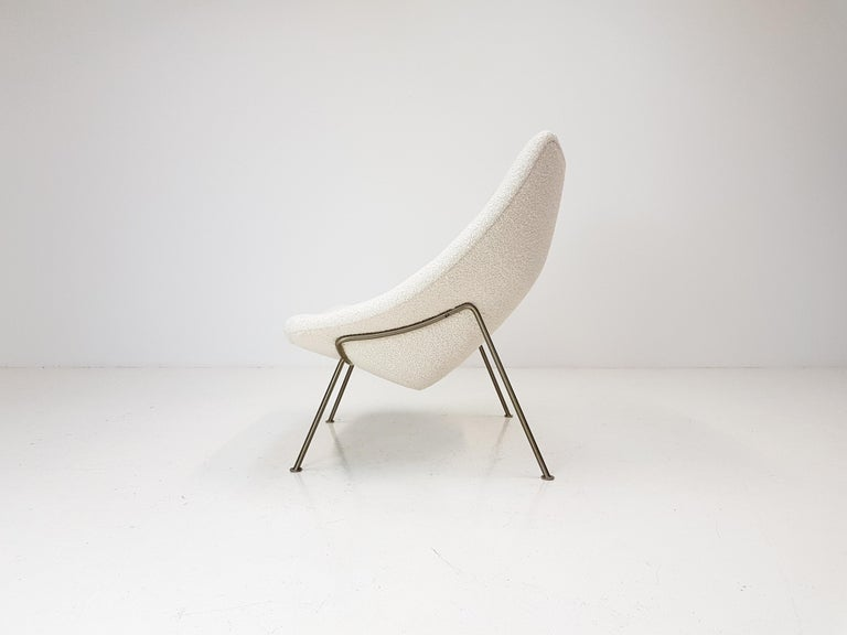 1960s Pierre Paulin Oyster Chair for Artifort in Bouclé Fabric In Good Condition For Sale In London Road, Baldock, Hertfordshire