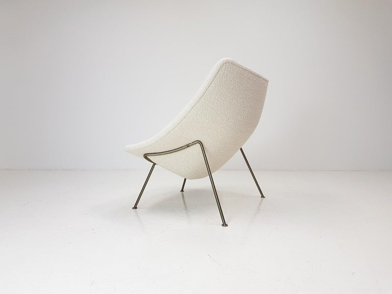 20th Century 1960s Pierre Paulin Oyster Chair for Artifort in Bouclé Fabric For Sale
