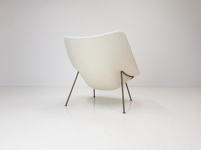 1960s Pierre Paulin Oyster Chair for Artifort in Bouclé Fabric For Sale 2