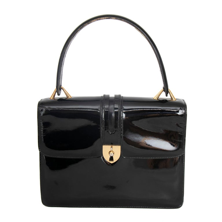 A 1960s Vintage Gucci Black Patent Leather Handbag with Gold Hardware For Sale