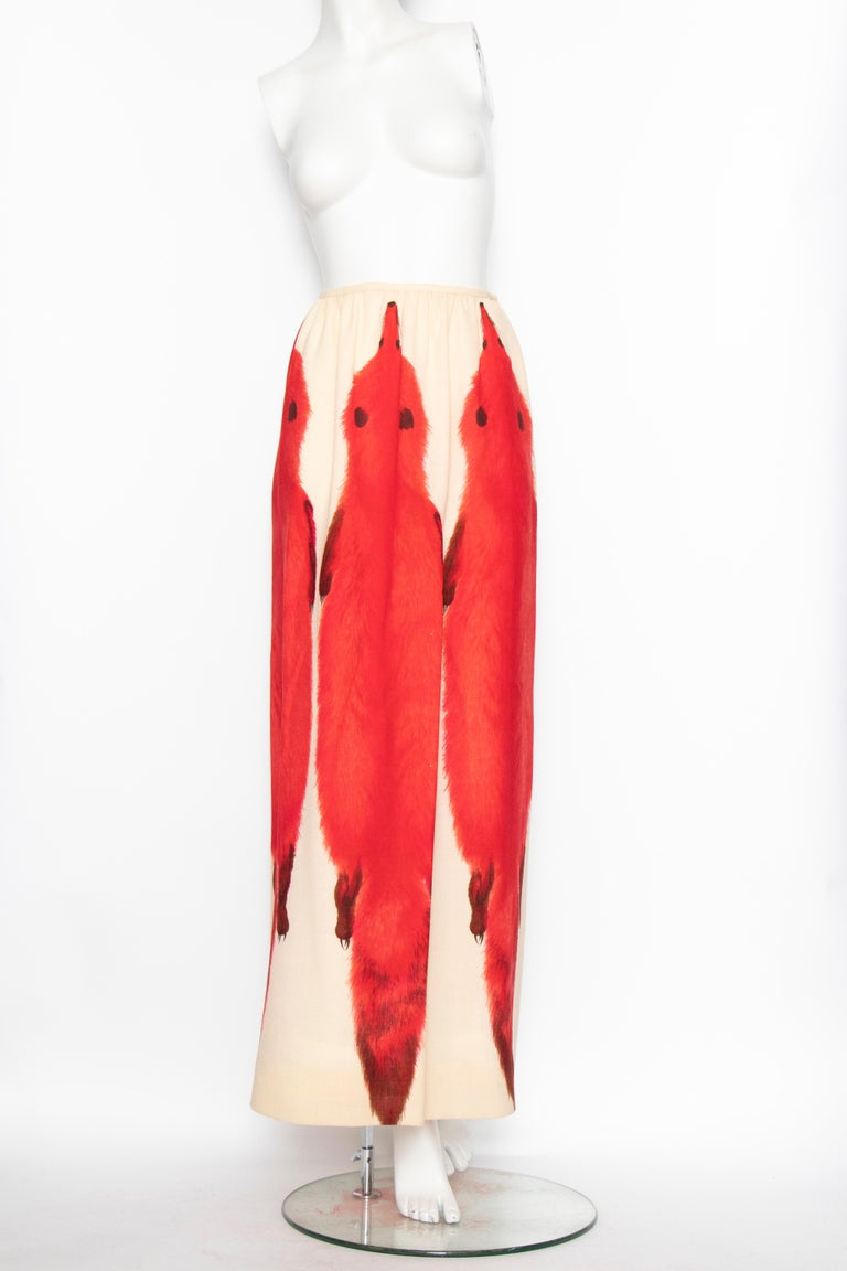A 1970s Vintage Lanvin Ivory Skirt and Scarf Ensemble In Good Condition For Sale In Copenhagen, DK