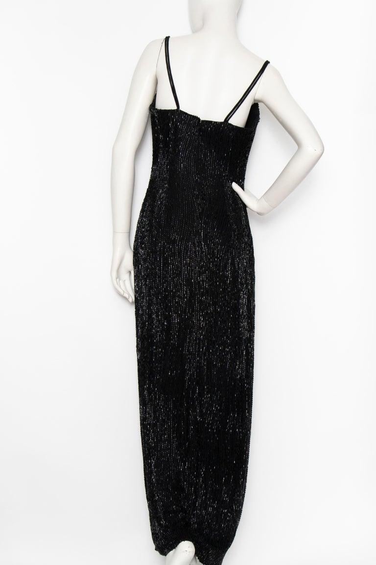 A 1980s Vintage Bob Mackie Black Beaded Evening Gown  In Excellent Condition For Sale In Copenhagen, DK