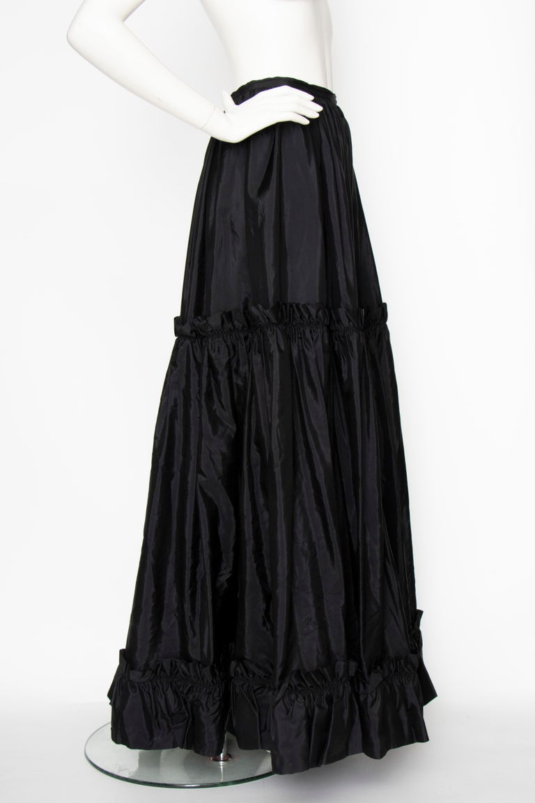 A 1980s Vintage Yves Saint Laurent Rive Gauche Black Silk Taffeta Skirt For Sale 1