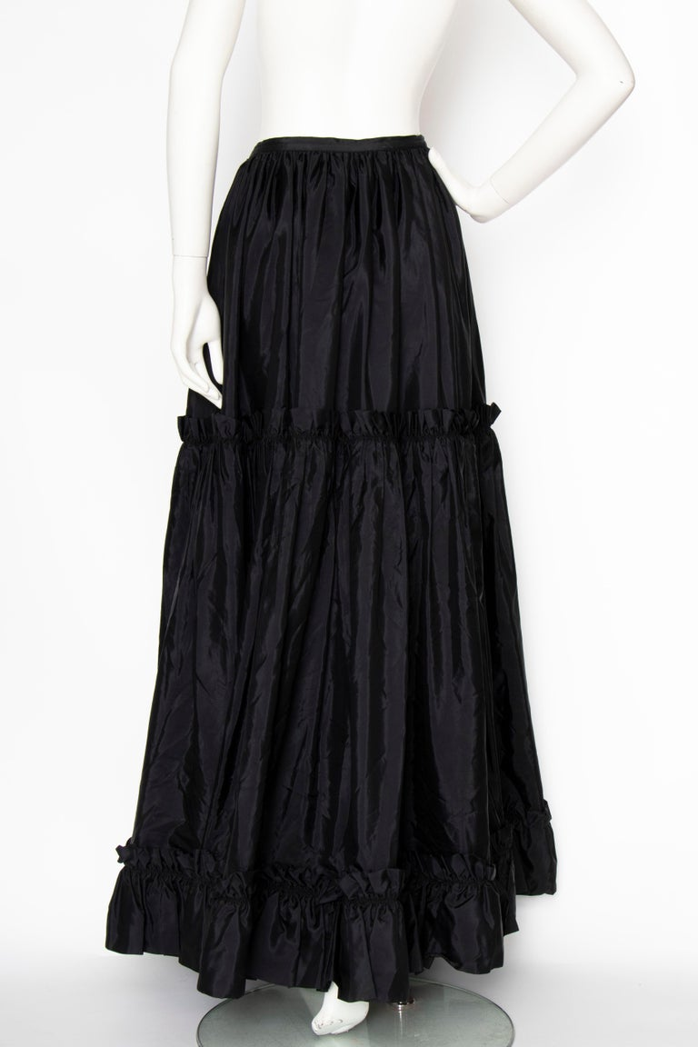 A 1980s Vintage Yves Saint Laurent Rive Gauche Black Silk Taffeta Skirt For Sale 2